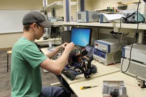 UT Tyler student working on project